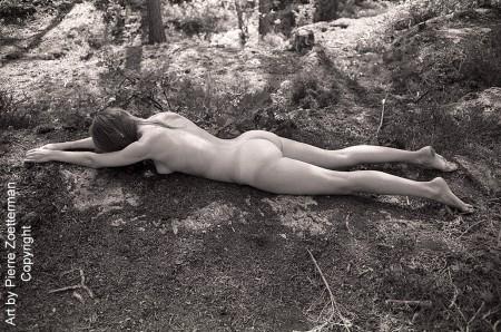 Yvonne i skog 09